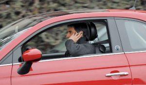 distrazione-alla-guida-emergenza-per-la-sicurezza-1