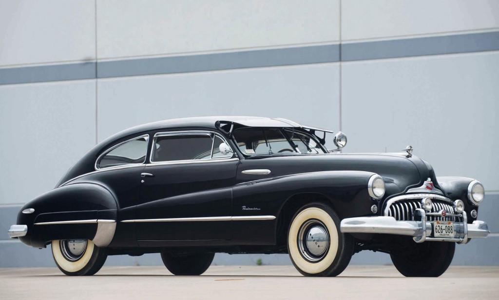 Le prime gomme All Weather furono usate negli anni 40 su vetture americane come questa Oldsmobile '46
