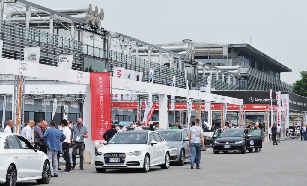 Company Car Drive 2016, fleet manager in pista