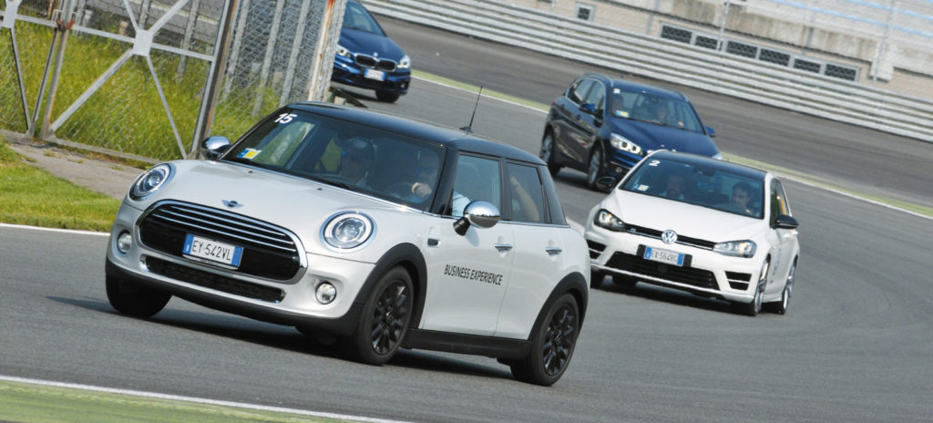 Company Car Drive 2016, fleet manager in pista  2