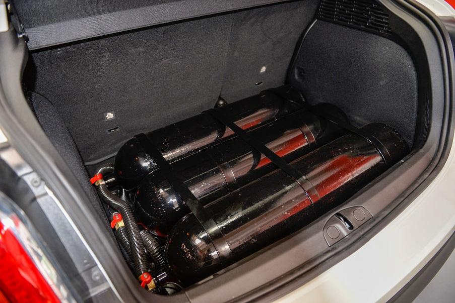 Bombole di metano installate a bordo di Fiat 500X